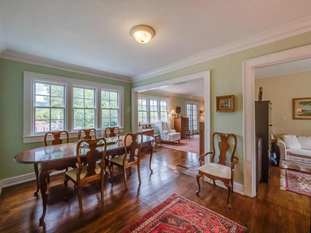 dining room in Rossville, GA home