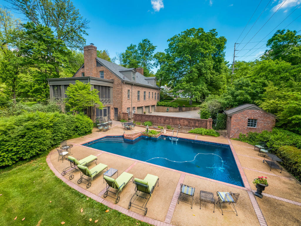 Lookout Mountain home with pool