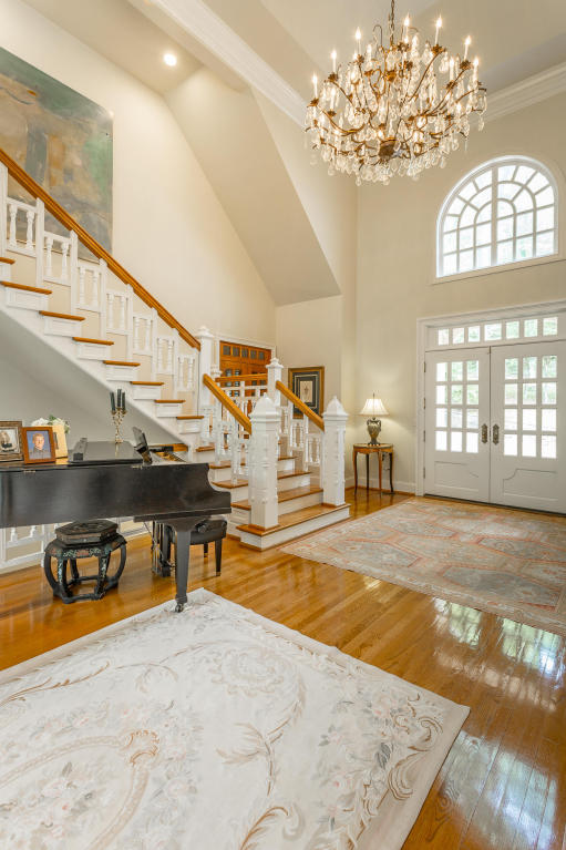 spacious foyer in woodhill drive home.